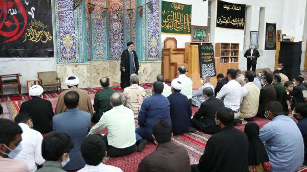 ایت الله رییسی در جمع نمازگزاران چابهار